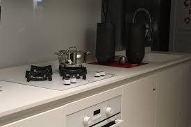 Vantaggi di un piano cottura in vetroceramica portale casa - Cucina vetroceramica ...